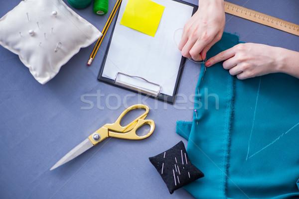 Kadın terzi çalışma giyim dikiş Stok fotoğraf © Elnur