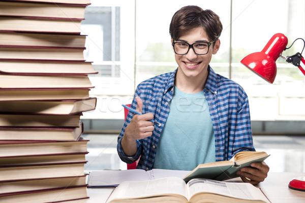 Fiatal diák iskola vizsgák könyvek otthon Stock fotó © Elnur