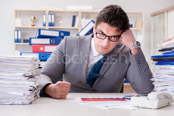 üzletember elfoglalt papírmunka üzlet iroda papír Stock fotó © Elnur