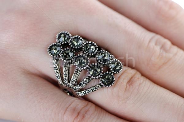 ékszerek gyűrű elnyűtt ujj lánc gyémánt Stock fotó © Elnur