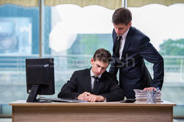Kettő iker fiútestvérek megbeszél üzlet projekt Stock fotó © Elnur
