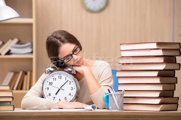 Fiatal diák egyetem vizsgák mosoly könyvek Stock fotó © Elnur