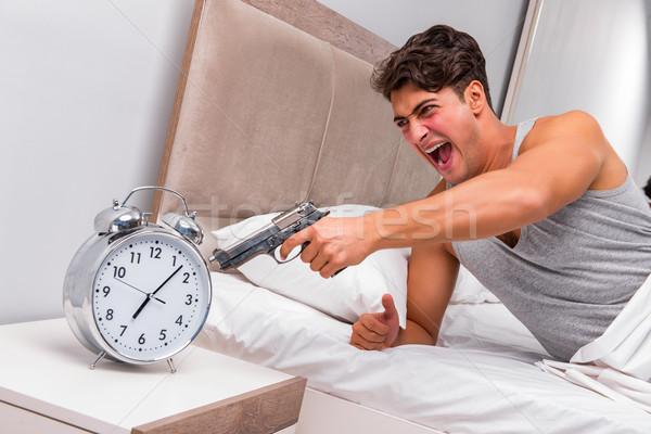 Zangado homem pistola relógio mão casa Foto stock © Elnur