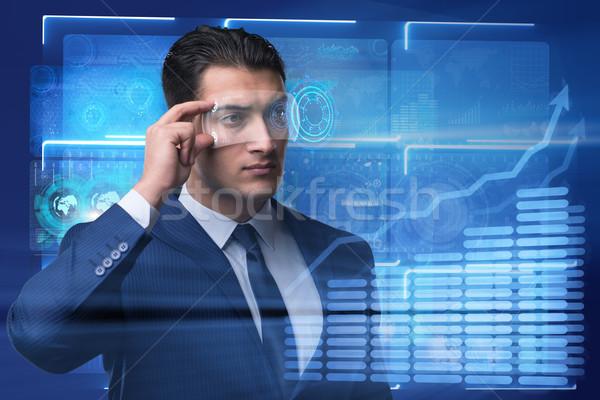Futuristische visie zakenman man technologie wetenschap Stockfoto © Elnur