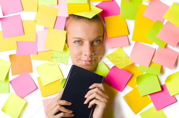 Mujer muchos recordatorio notas lectura libro Foto stock © Elnur