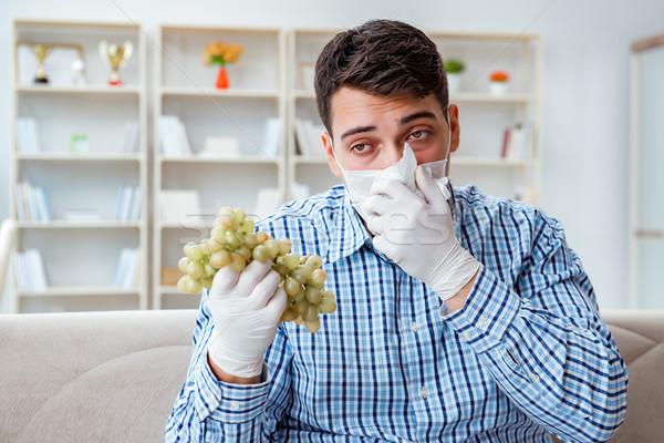Homem sofrimento alergia médico primavera comida Foto stock © Elnur