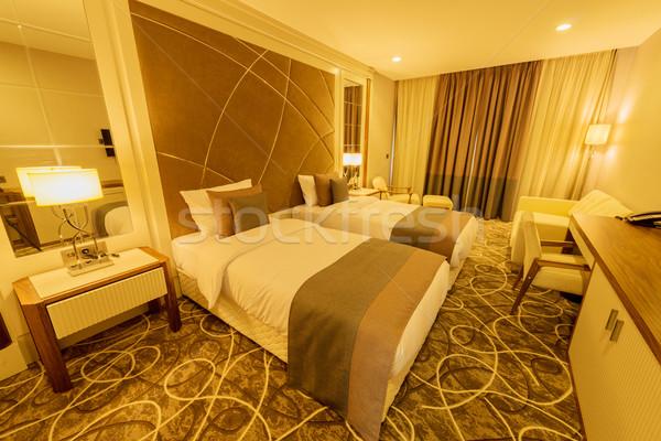 Quarto de hotel moderno interior negócio casa tabela Foto stock © Elnur