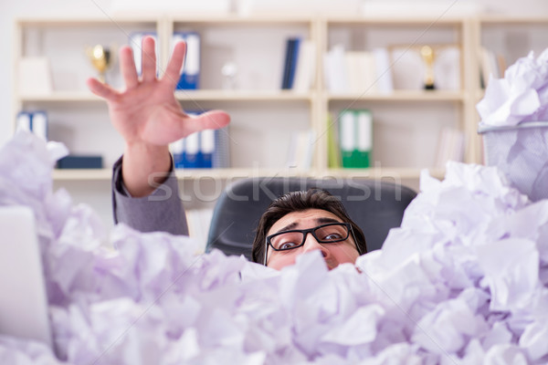 Empresario papel reciclaje oficina negocios triste Foto stock © Elnur