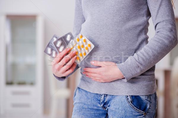 беременная женщина таблетки беременности женщину семьи Сток-фото © Elnur