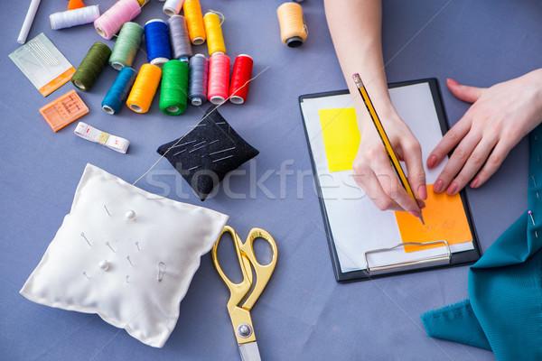 Mujer sastre de trabajo ropa coser Foto stock © Elnur
