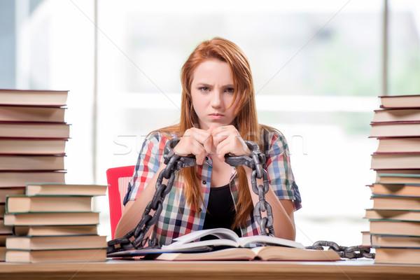 Stock fotó: Fiatal · női · diák · vizsgák · könyvek · iskola