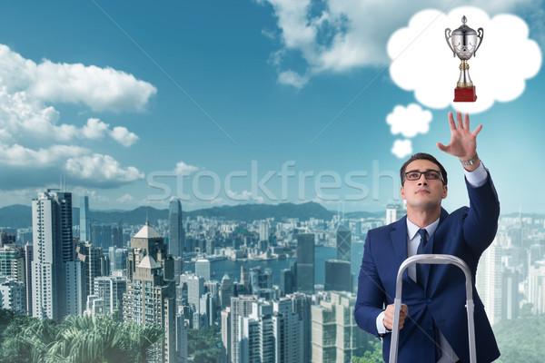 Işadamı tırmanma iş gol Bina adam Stok fotoğraf © Elnur