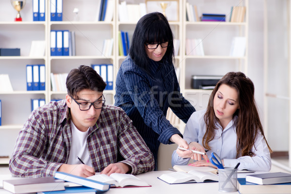 Jeunes étudiant enseignants leçon femme fille Photo stock © Elnur
