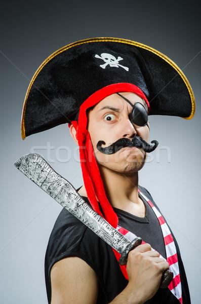 Stockfoto: Grappig · piraat · donkere · studio · hand · zwarte