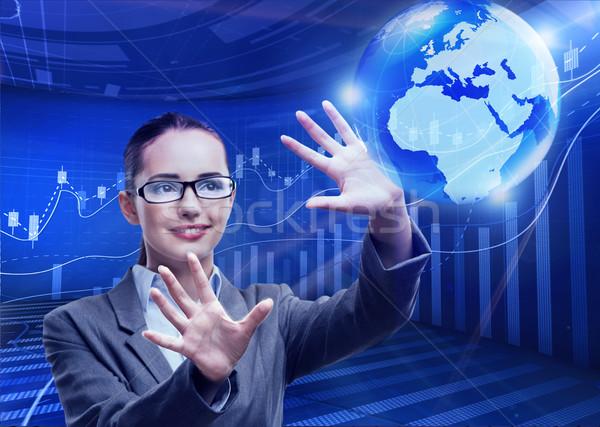 üzletasszony globális üzlet nő térkép világ Föld Stock fotó © Elnur