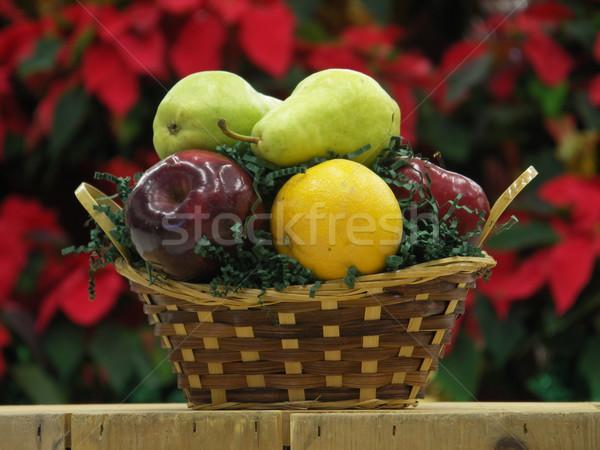 Pequeno fruto cesta escritório saúde comer Foto stock © elvinstar