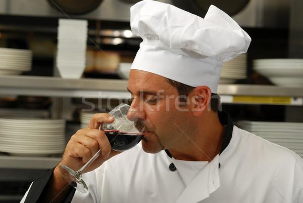 Chef degustação vidro vinho atraente caucasiano Foto stock © elvinstar