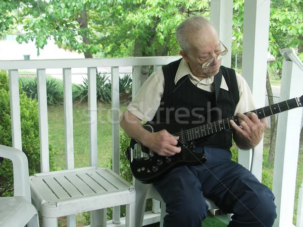 öreg iskola dzsessz idős úriember játszik Stock fotó © elvinstar