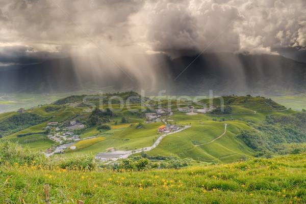 Slechte weer landschap platteland regen heuvels boerderij Stockfoto © elwynn