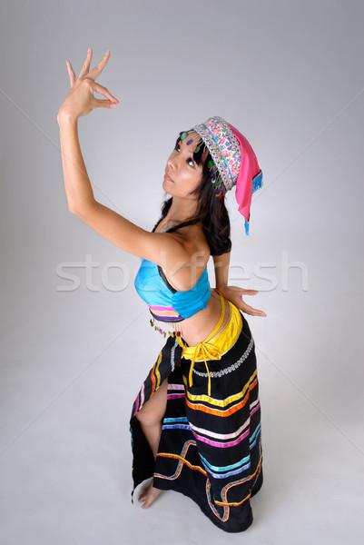Stockfoto: Chinese · vrouw · dansen · traditioneel · kleurrijk · jurk