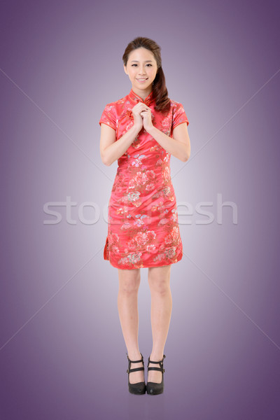 Femme souriante chinois femme robe traditionnel nouvelle année Photo stock © elwynn