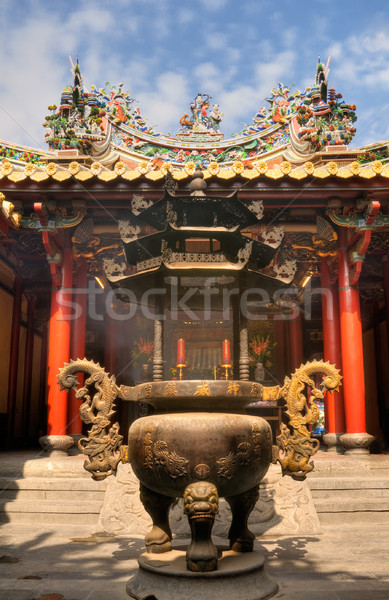 Oriental tradicional templo dorado color incienso Foto stock © elwynn