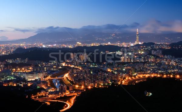 Belo cena noturna céu edifício paisagem azul Foto stock © elwynn