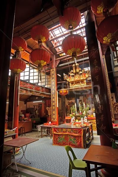 Chino budismo templo interior suspensión rojo Foto stock © elwynn