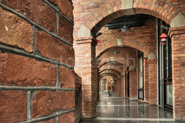 Cegły korytarzu architektury starych czerwony kolor Zdjęcia stock © elwynn