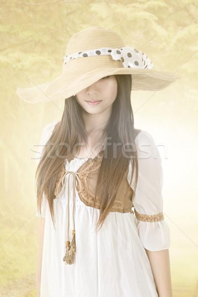 Fiatal ázsiai nő kalap természet gyönyörű Stock fotó © elwynn