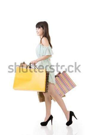 魅力的な アジア 女性 徒歩 ショッピングバッグ プロファイル ストックフォト © elwynn