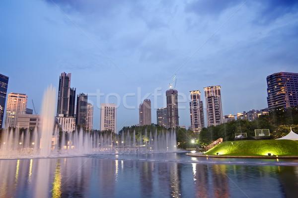 Colorido noite da cidade edifícios fonte Kuala Lumpur Malásia Foto stock © elwynn