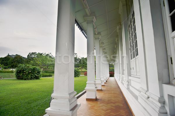Corridoio architettura casa bianca verde cielo casa Foto d'archivio © elwynn