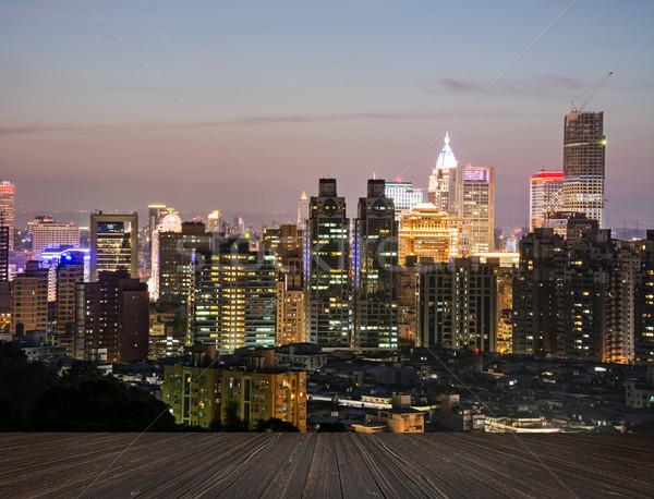 City Night scène houten grond wolken gebouw Stockfoto © elwynn