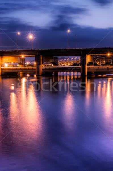 Dramatyczny Night City scena most działalności niebo Zdjęcia stock © elwynn