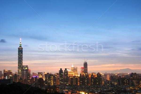 Night City słynny punkt orientacyjny 101 wieżowiec niebieski Zdjęcia stock © elwynn