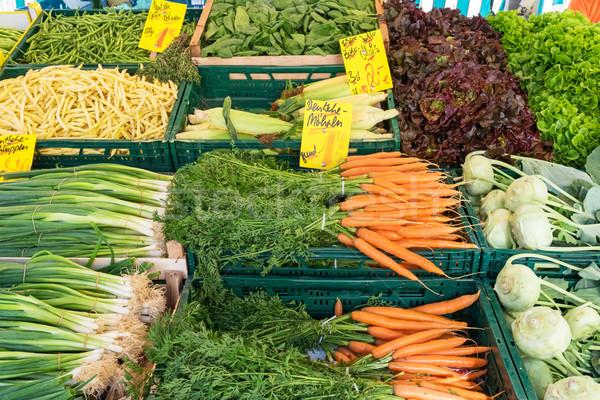 Piac áll friss zöldségek vásár étel zöld Stock fotó © elxeneize