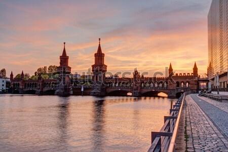 ベルリン 塔 戻る 建物 橋 レンガ ストックフォト © elxeneize