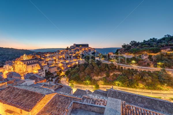 Nascer do sol sicília velho barroco cidade Itália Foto stock © elxeneize