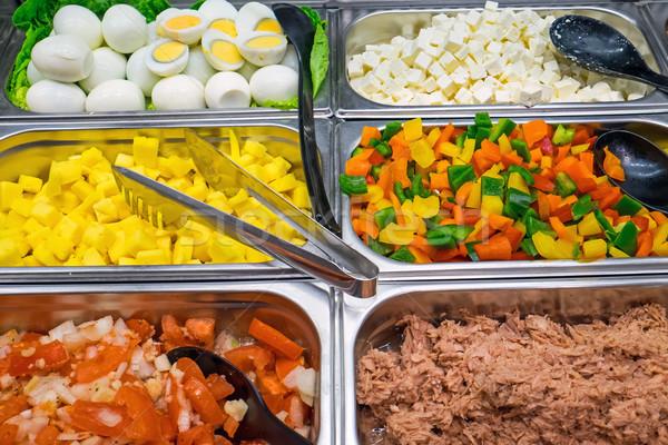 Salade buffet keuze voedsel gezondheid restaurant Stockfoto © elxeneize
