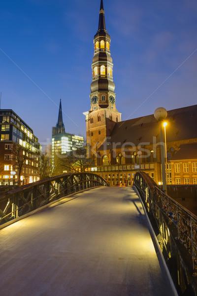 Kerk hamburg nacht gebouw Blauw reizen Stockfoto © elxeneize