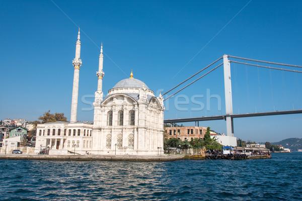 Mezquita primero puente Estambul Turquía ciudad Foto stock © elxeneize
