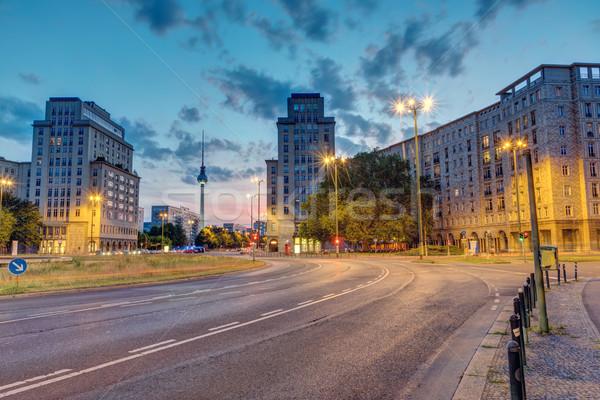 Berlim televisão torre pôr do sol céu edifício Foto stock © elxeneize