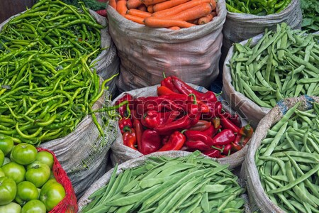 Sacos completo legumes mercado istambul comida Foto stock © elxeneize