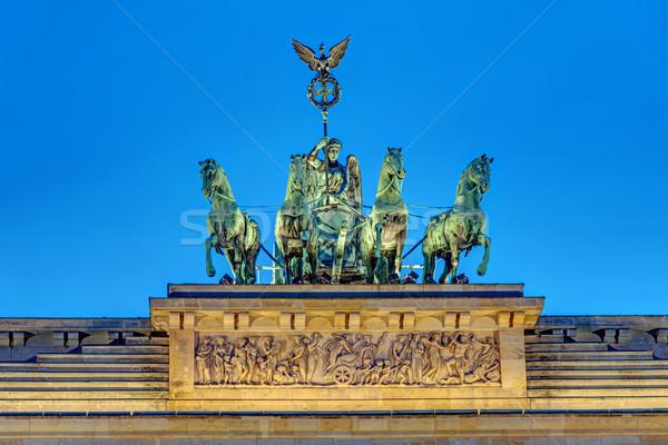 Pormenor noite topo famoso Berlim céu Foto stock © elxeneize