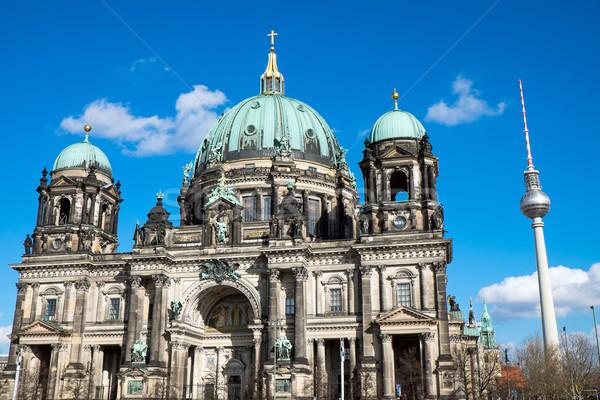 Televízió torony Berlin híres napos idő épület Stock fotó © elxeneize