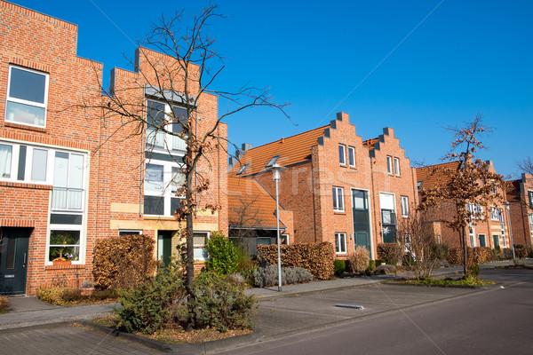Modernes rouge maisons brique Berlin Photo stock © elxeneize