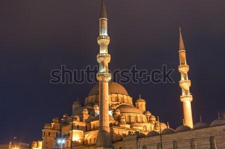 új mecset Isztambul éjszaka Törökország épület Stock fotó © elxeneize