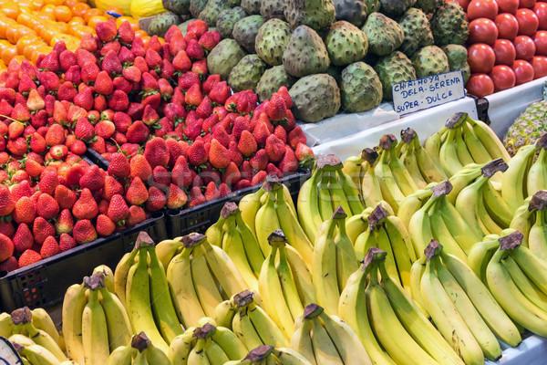 Zdjęcia stock: Owoce · sprzedaży · rynku · Santiago · tle · zielone