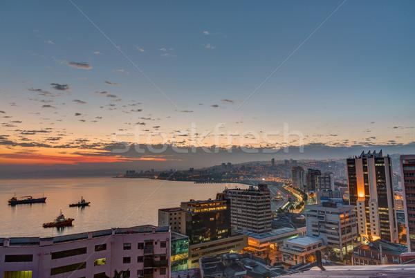 Nascer do sol Chile água cidade pôr do sol paisagem Foto stock © elxeneize